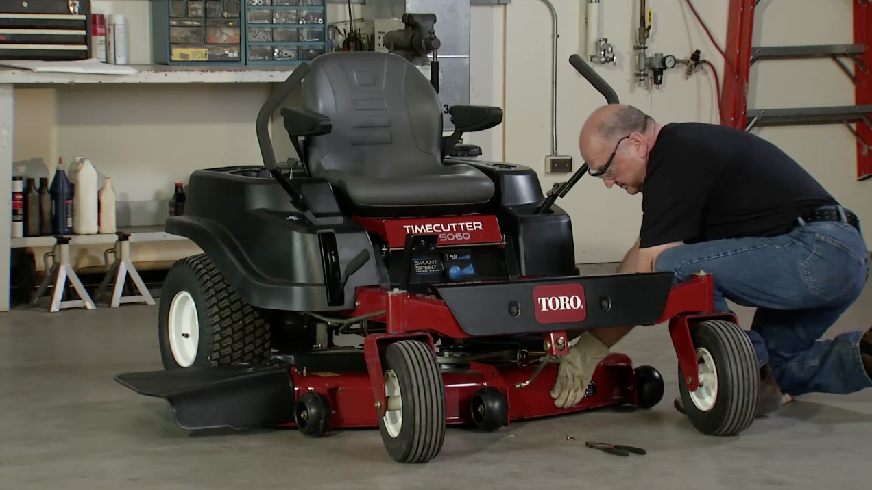 How to Remove a Mower Deck - Toro TimeCutter | Yard Care