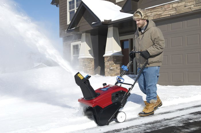 preparing your snowblower for winter yard care